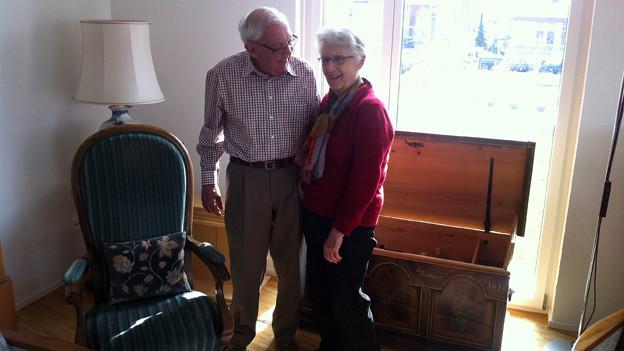 Heinz und Margrith Bossard in ihrer neuen Wohnung.