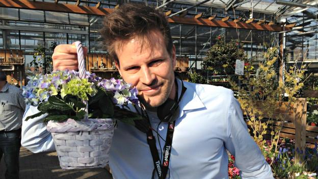 «Treffpunkt»-Reporter Rouven Born Gartencenter Wyss in Zuchwil.