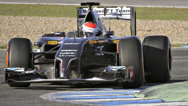 2014 – Eine Saison mit ungewissem Start: Sauber-Fahrer Adrian Sutil bei Tests in Bahrain.