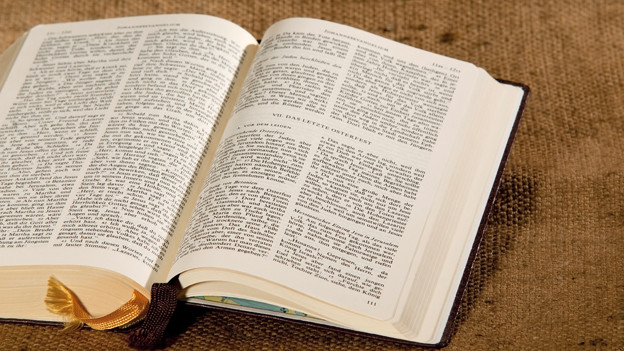Aufgeschlagene Bibel.