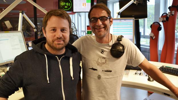 Gabriel Vetter im Studio von Radio SRF 1 mit Moderator Thomy Scherrer.