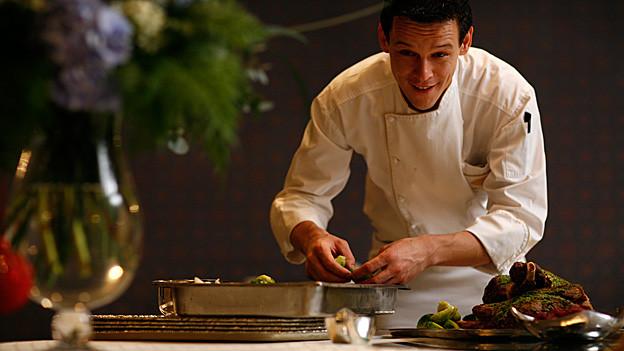 Stefan Trepp in der Küche.
