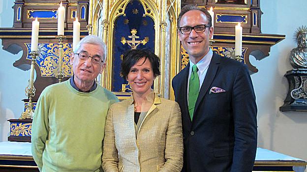 «Persönlich»-Gastgeber Christian Zeugin (rechts) mit Politikerin Pascale Bruderer und Seelsorger Walter Blum.