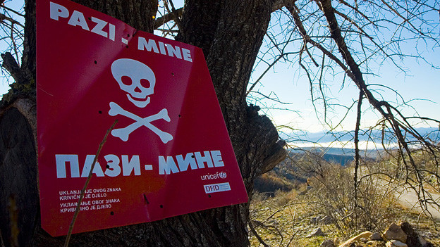 Landminen-Schild in Bosnien.