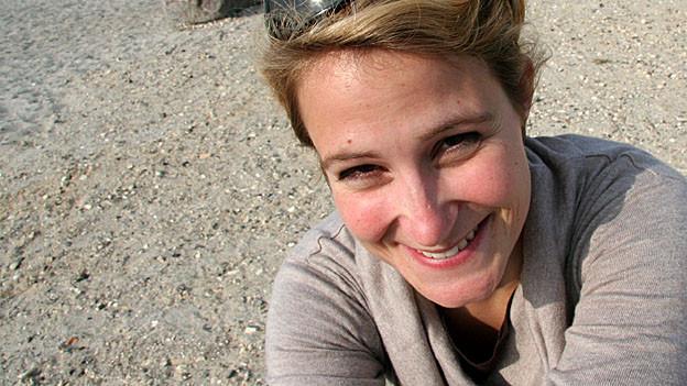 Andrea Fäh am Strand.