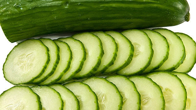 Aufgeschnittene Salatgurke.