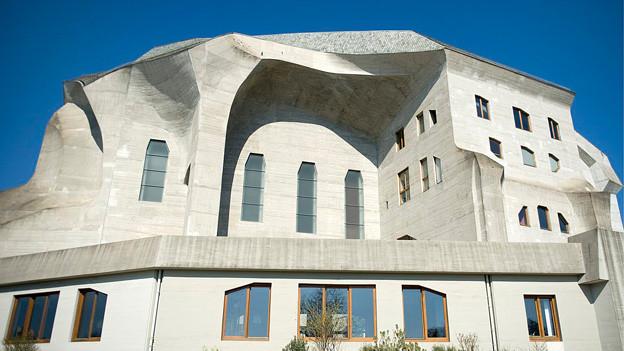 Das Goetheanum von aussen.