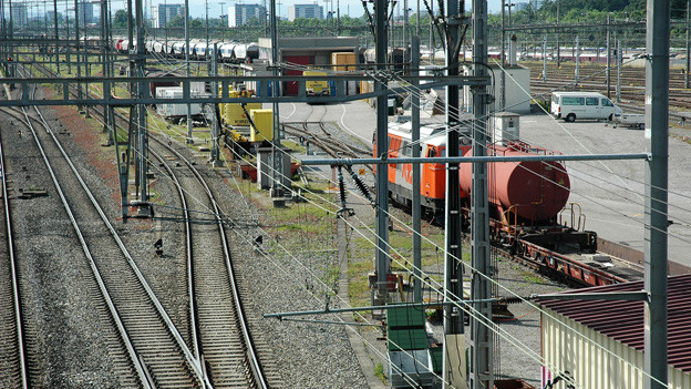 Blick auf den Rangierbahnhof in Muttenz.