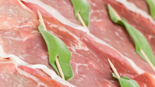 Kalbfleisch mit Salbei bestückt