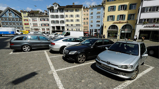 Parkplatz in der Stadt.