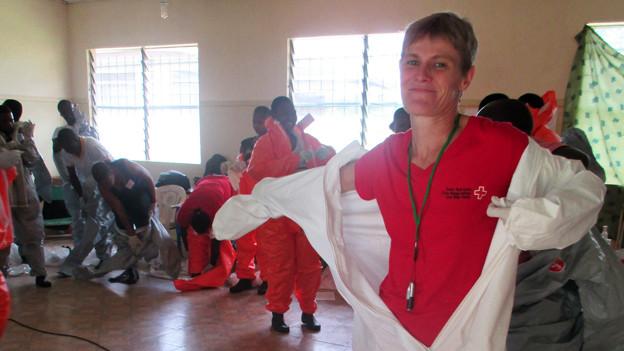Sabine Hediger während ihres Einsatzes in Kemena/Sierra Leone.