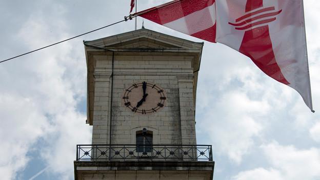 Kirchturm in Delemont.