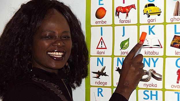 Lucy Oyubo hat einen Hochschulabschluss und eine eigene Sprachschule.