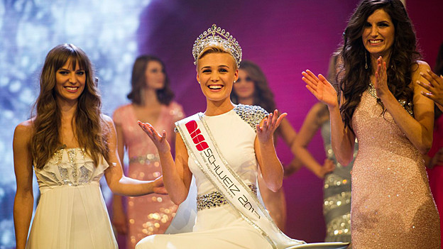 Dominique Rinderknecht bei der Siegesfeier der Miss Schweiz 2013.