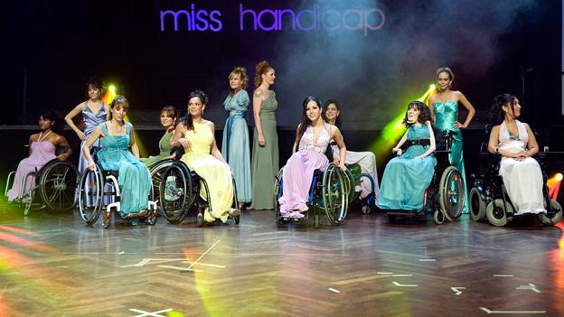 Finalistinnen der Miss Handicap-Wahl 2009.