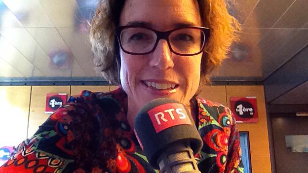 Joelle Beeler mit RTS-Mikrofon.