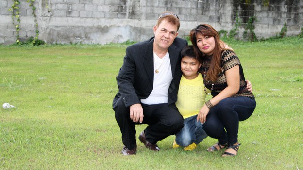 Roland Lutz wohnt mit seiner Familie auf den Philippinen.