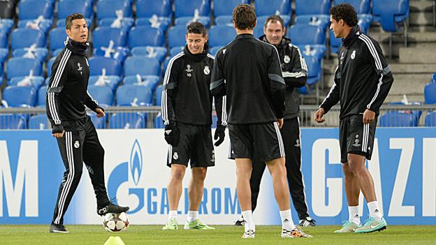 Real Madrid beim Training im Stadion vom Basler St. Jakob-Park.