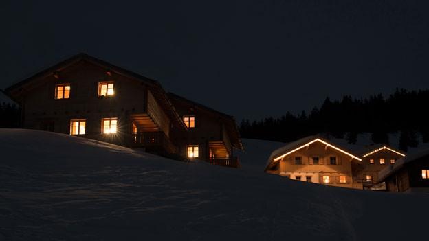 Winterlich-weinachtliches Dorf.