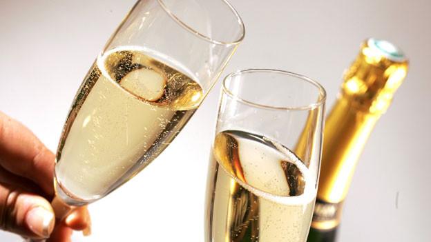 Symbolbild: Champagner-Gläser