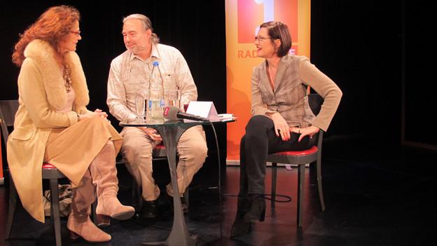 «Persönlich»-Gastgeberin Katharina Kilchenmann (rechts) mit Rudolf Szabo und Jasmin El-Sonbati.
