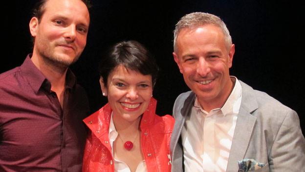 Dani Fohrler (rechts) posiert mit Niccel Steinberger (Mitte) und Dominic Deville (links).