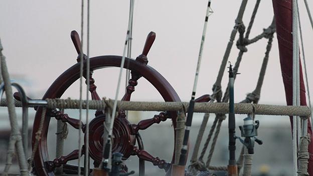 Schiffsteuerrad aus Holz.