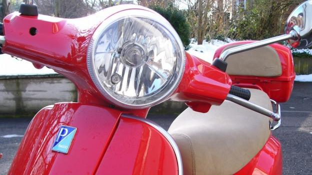 Basler Regierung wartet mit Parkuhren für Roller