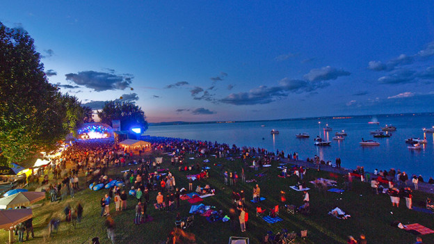 Blick auf das Festivalgelände am See in Arbon.