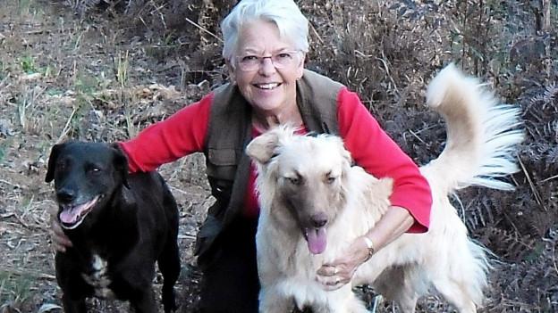 Marianne Degen mit Hunden.