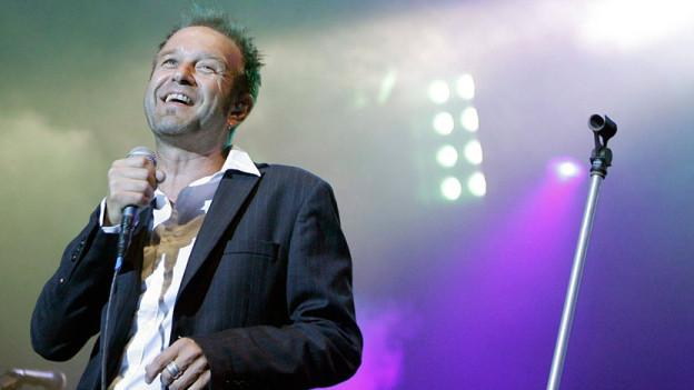 Kuno Lauener auf der Bühne.