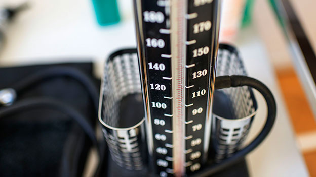 Nahaufnahme von einem Blutdruck-Messgerät
