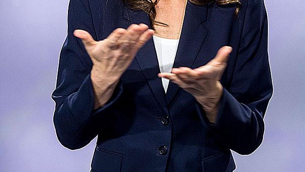 Hände zeigen Gebärdensprache.