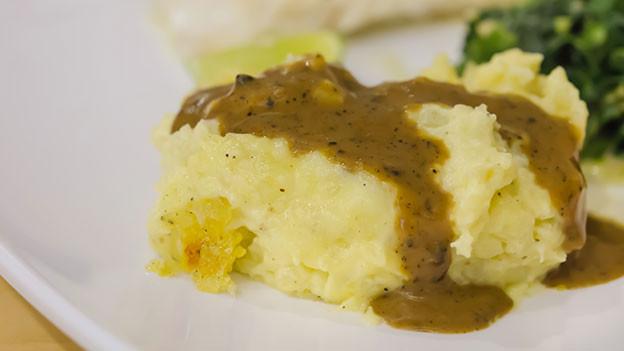 Für Gericht mit viel Sauce eignet sich Püree als Beilage besonders gut.