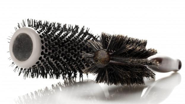 Zwei Haarbürsten