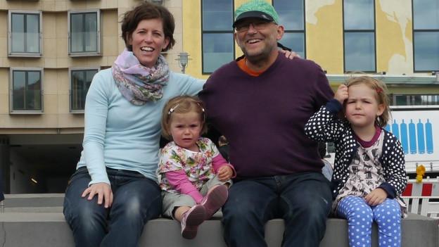 Ursina, Jonathan und die Kinder Paloma und Hanna.