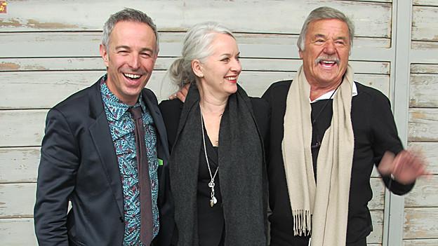 Gastgeber Dani Fohrler (l.) mit seinen Gästen Carol Forster und Hausi Leutenegger.