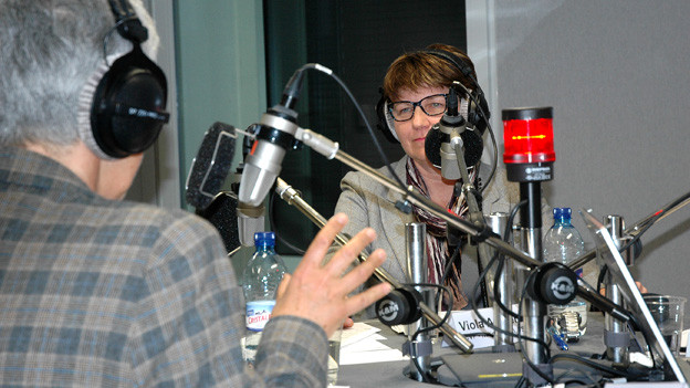 Silva Semadeni (links) und Viola Amherd im Radiostudio.