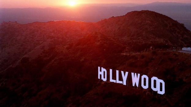Hollywood-Schriftzug am Hügel.