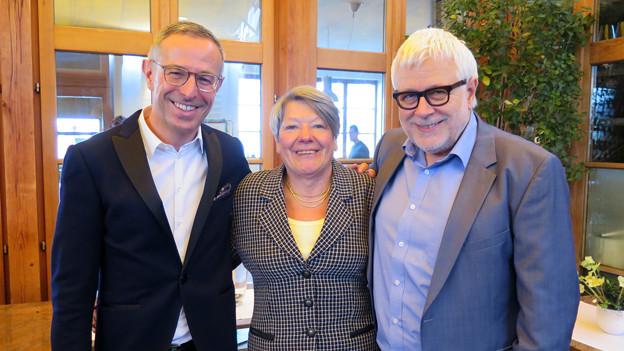 Dani Fohrler, Peter Gysling und Agnes Burren-Wyss stehen nebeneinander.