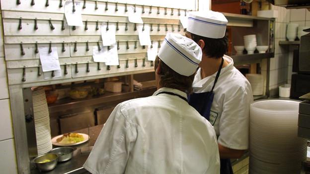 Vom Kuchen Chef Zum Commis So Ist Die Kuche Organisiert A Point