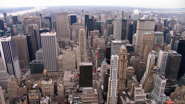 Blick auf die Skyline von New York City.