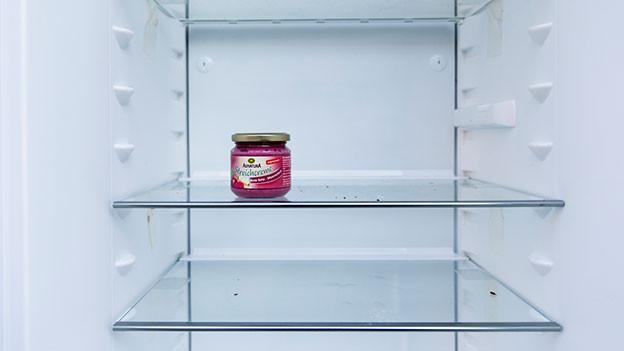 Leerer Kühlschrank.