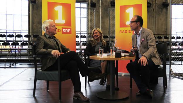 V.l.n.r.: Franz Jaeger, Bea Petri und Christian Zeugin beim Gespräch auf der Bühne.