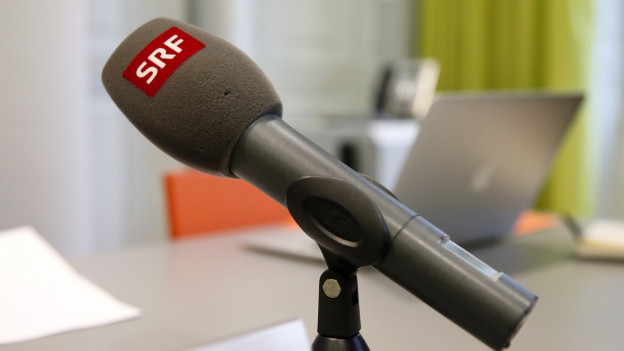 SRF Mikrofon auf Mikrofonständer