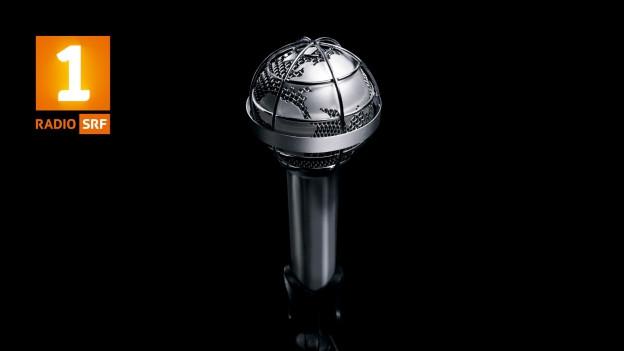 Weltkugel mit Mikrofon.