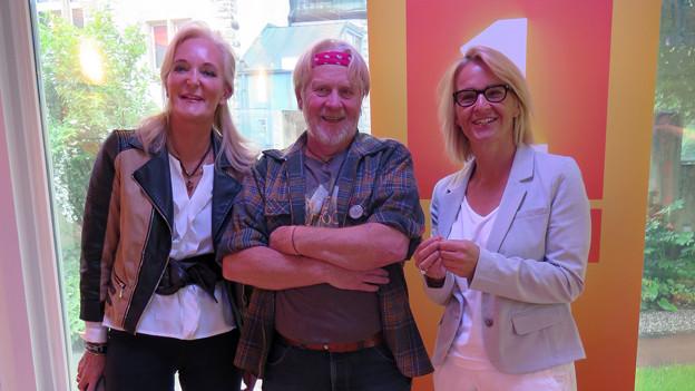 Sonja Buholzer, Peter Amacher und Sonja Hasler stehen nebeneinander.
