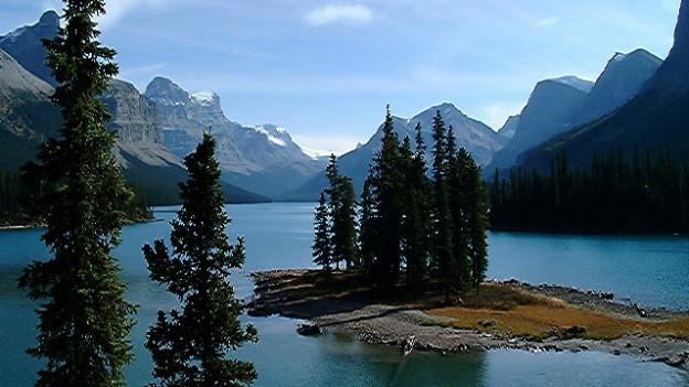 Blick auf den Maligne Lake im Jasper Nationalpark