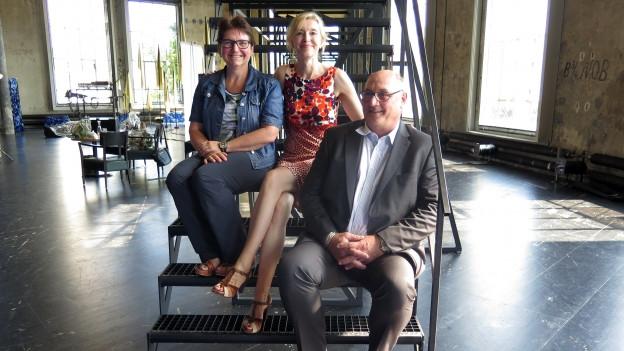 Claudia Loher (links) und Thomas Fisler und Anita Richner.