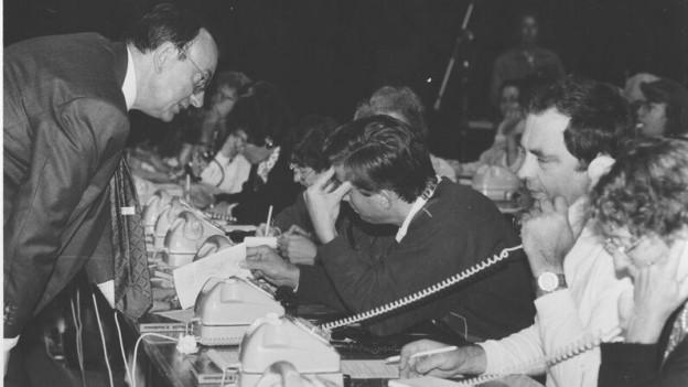 Telefonistinnen an einem Glückskette Sammeltag in Genf 1951